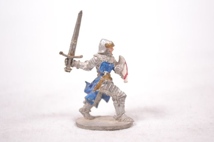 Ral Partha Knight Crusader Shield Sword Vintage D&D Painted Metal Figure 1984
