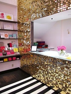 Oh to have a wall of gold sparkle!