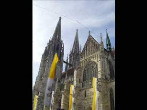 Regensburger Domspatzen - Macht hoch die Tür - YouTube