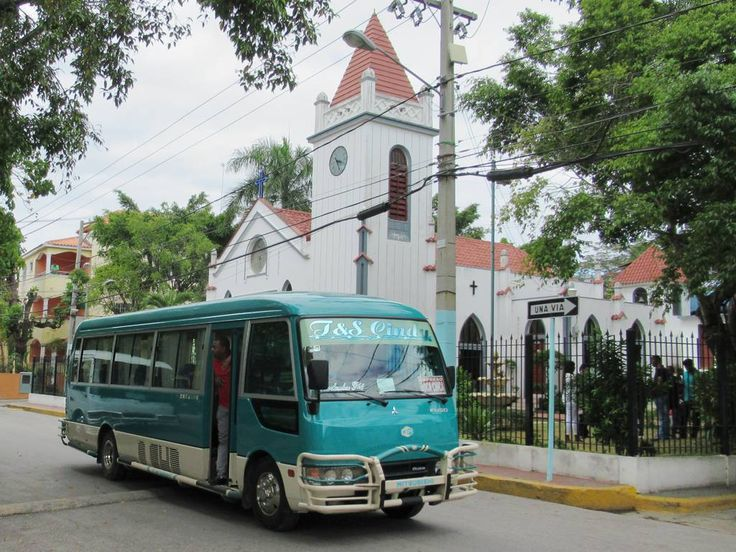 A regular bus service links Boca Chica to Santo Domingo, capital of the Dominican Republic, 40 kilometers west.