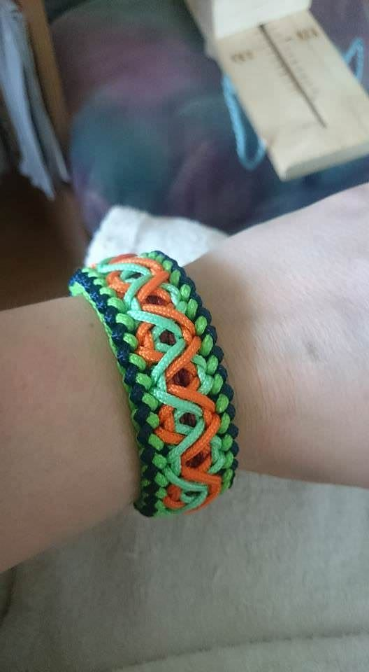 Retro Knot | Swiss Paracord                                                                                                                                                                                 More