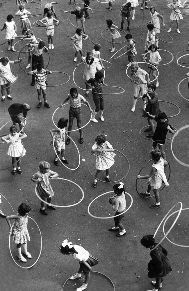 Dorcas Street South Melbourne. Children with their hula hoops. 1967