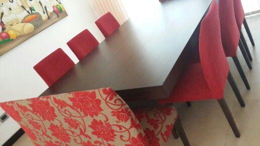 Comedor moderno, lineas rectas sillas de punta cuadrada en jackard ...