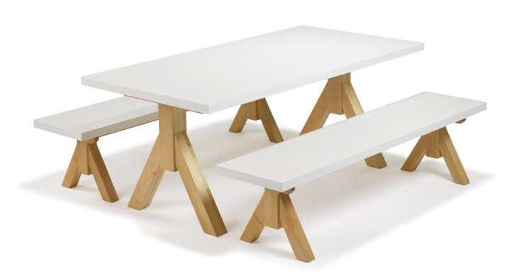 NIETOS table and benches