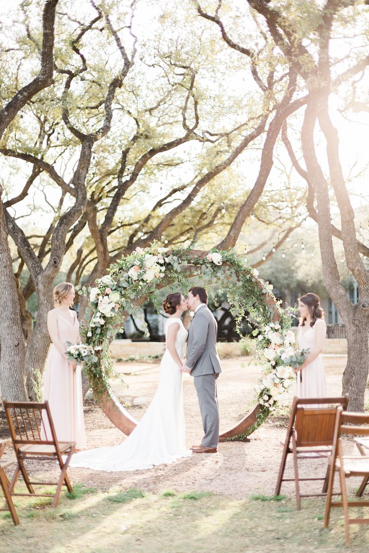 Henry S Hollow Is The Perfect Venue For Your Outdoor Greenery Wedding Hyatt Regency Hill Country Resort And Spa Where Dream Weddings Become