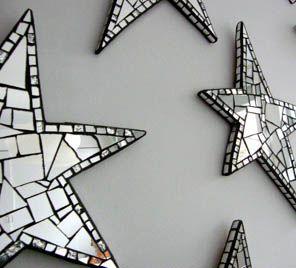 Estrellas hechas con teselas de espejo ...unos objetos decorativos simples de realizar de Amy Fancher