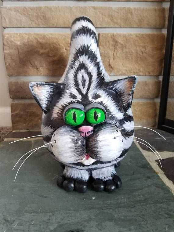 Check out this item in my Etsy shop https://www.etsy.com/listing/542587566/hand-painted-gourd-cat