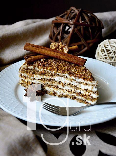 Medový dort na styl marlenky (bez mouky)