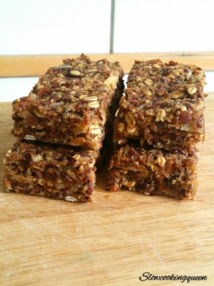 If I need to pick my top-five ingredients, no doubt dates would be in those five!  They are delicious just to eat for a snack, but in my opinion even better as a natural sweetener in i.e healthy b…