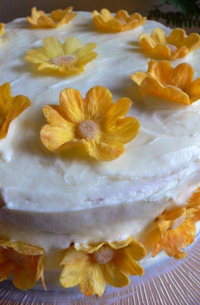 pretty cake, dried pineapple flowers