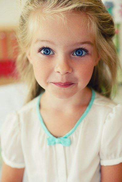 Hope my some-day daughter looks just life this adorable little girl. <3