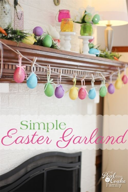 Easter crafts. Make a quick and adorable 5 minute egg garland. Perfect for you Easter/Spring mantel. #EasterCrafts #Garland #5minuteCraft #Mantel #RealCoake