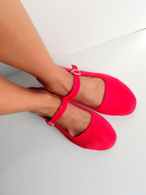 Cute 80s red mary jane shoes / flats / preppy by PittiVintage