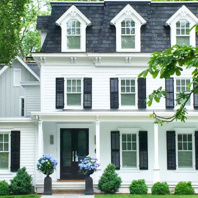 Best 25 Navy Shutters Ideas On Pinterest Diy Painting Exterior Of House Exterior House Paint