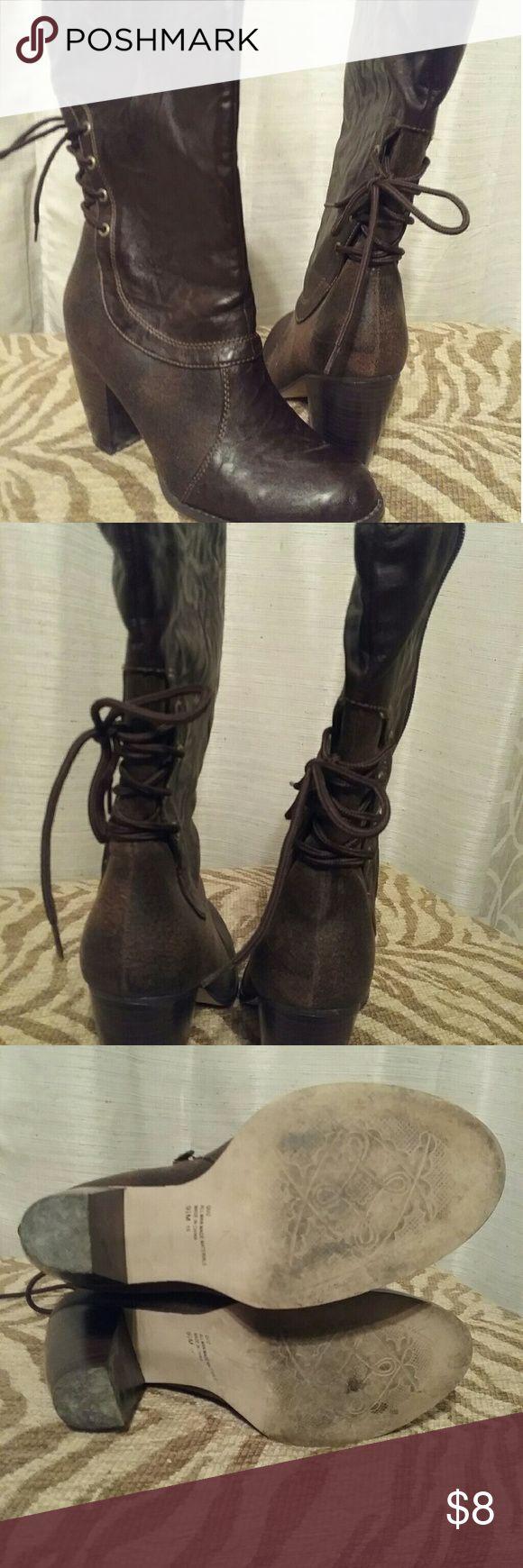 Womens mid calf boots Super cute mid calf boots. Good condition Vigoss Shoes Heeled Boots
