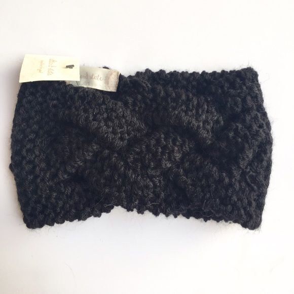 """❤️ Basket Weave Hair Wrap Great Basket Weave Hair Wrap in black!  8 1/2"""" length 4"""" wide stretch thick knit material 100% acrylic. altar'd state Accessories Hair Accessories"""
