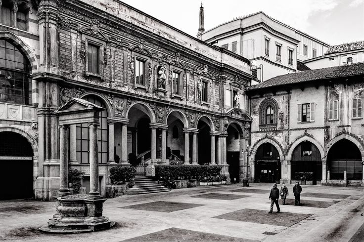 Photograph Milano - Piazza dei Mercanti by Silvano Dossena on 500px