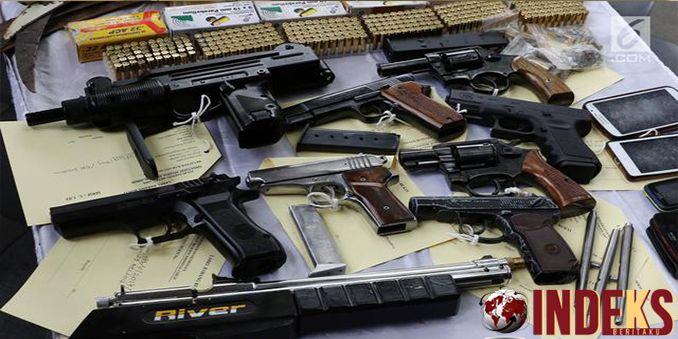 IndeksBeritaku - Berita hari ini tentang Maraknya kejahatan menggunakan senjata api akhir-akhir ini semakin meresahkan masyarakat. Kepolisian pun bertindak,, Baca Selengkapnya:  http://indeksberitaku.com/marak-kejahatan-dengan-senjata-api-polisi-razia-perajin-senapan/