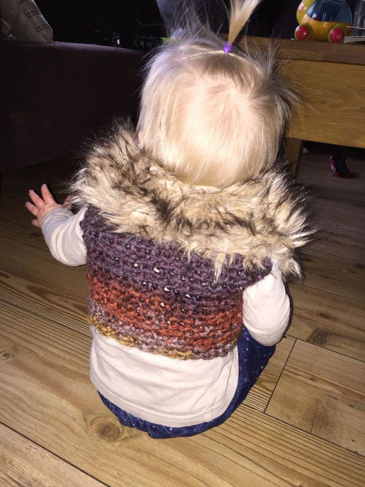 Bontje van mijn jas hergebruikt voor een vestje voor m'n dochtertje