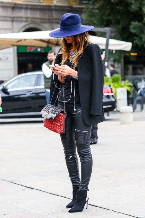 Pantalonii din piele, cu influente rock, si botinele ascutite, cu influente optzeciste, sunt cateva elemente ce pot fi mixate oricand cu un blazer, pentru o tinuta urban-chic. - Elle.ro