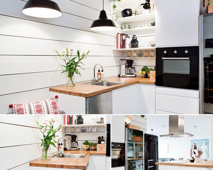 Кухня белого цвета в небольшой квартире-студии