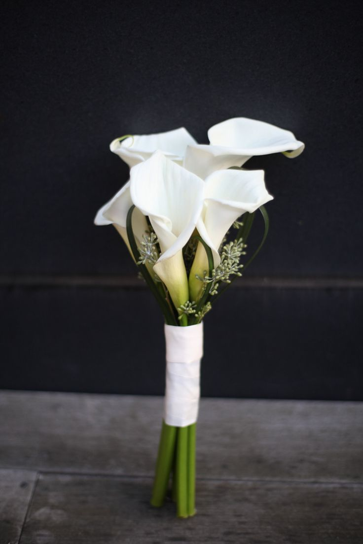 Idea for bridesmaid or maybe Mother of Bride/Groom.