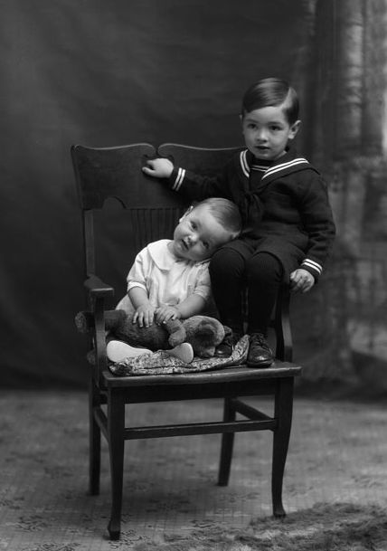+~+~ Vintage Photograph ~+~+  Absolutely adorable portrait of two brothers.  1928.  Gault Museum