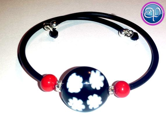 Black with white flowers Murano bead, red murano side beads memory wire bracelet with Swarovski accent beads. https://www.etsy.com/listing/197381661/murano-bead-memory-wire-bracelet-with
