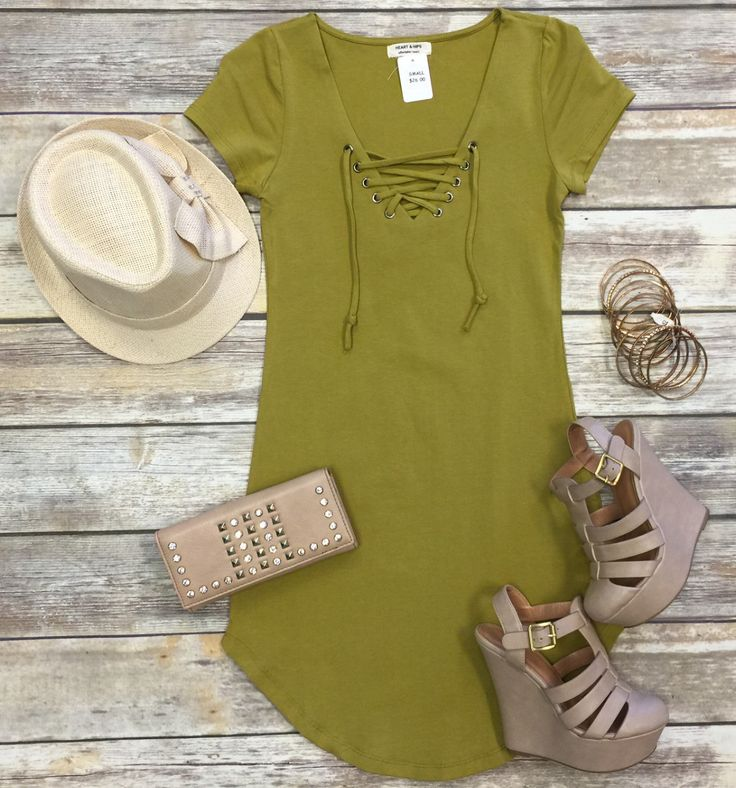 The Fun in the Sun Tie Dress in Pear is comfy, fitted, and oh so fabulous! A great basic that can be dressed up or down! We love the added detail of the tie front! Sizing: Small: 0-3 Medium: 5-7 Large