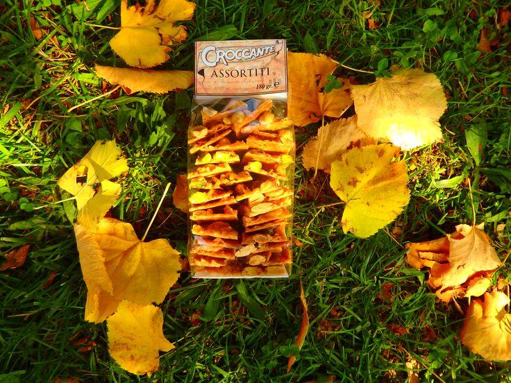 Sacchettino di Croccante Assortito (Mandorla + Nocciole + Pistacchi) 180gr  Per info ---> http://www.croccantedolcidelizie.com/