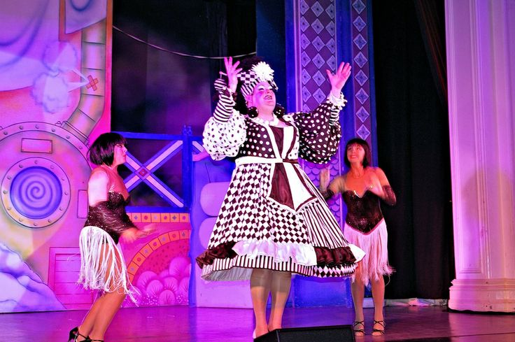 Richard Aucott as Widow Twankey in the pantomime Aladdin at Sutton Coldfield Town Hall