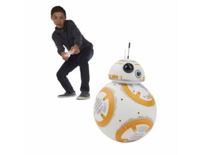 Prepare for battle with BB-8, the spherical, loyal Astromech Droid of the Resistance pilot Poe Dameron. This RC BB-8 figure rolls in any direction and makes expressive droid sounds. #searscanada #starwars