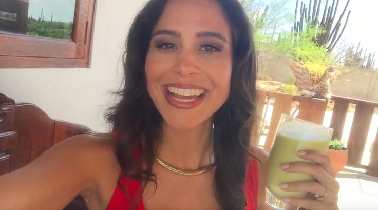I recently was in beautiful Aruba and created a new twist on The Original Skin Plumping Smoothie. The smoothie I am going to share with you today is The Ultra Skin Plumping Smoothie. This smoothie is a wonderful blend of Beauty foods that will beautify your skin from the inside out.