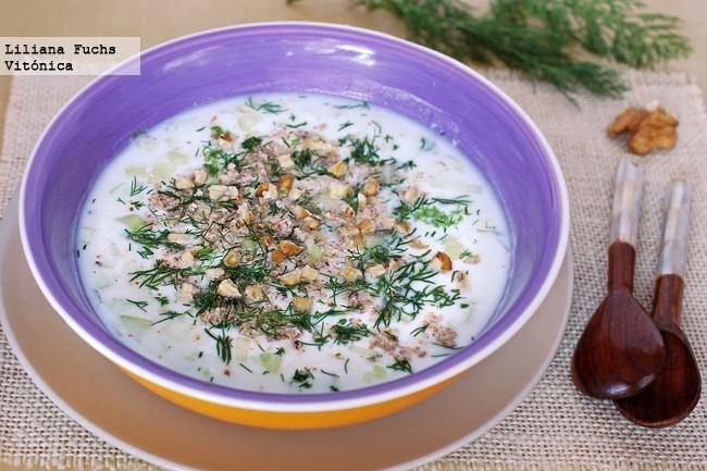Receta de sopa búlgara fría de yogur. Con fotos del paso a paso, consejos y sugerencias de degustación. Receta saludable. Recetas de sopas fría...