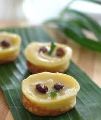 Kue lumpur (coconut custard cake)