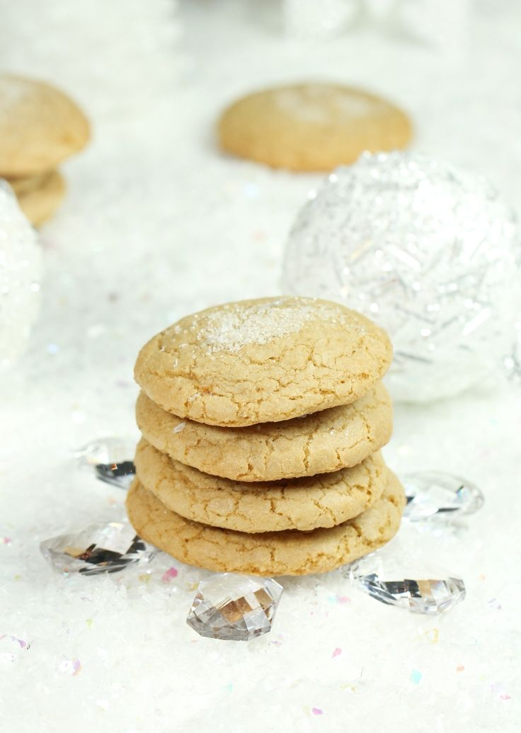 The best Vegan Sugar Cookies that are also gluten-free and not made with any butter or oil! That's a first, but I promise these are even more incredible, as you won't even miss the oil. Only 8 ingredients for this recipe. Soft, chewy and so perfectly sweet! Today's post is all about cookies. Easy Vegan Sugar Cookies. I am honored