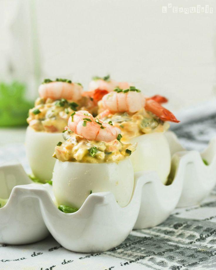 Huevos rellenos de salsa tártara con gambitas | L'Exquisit