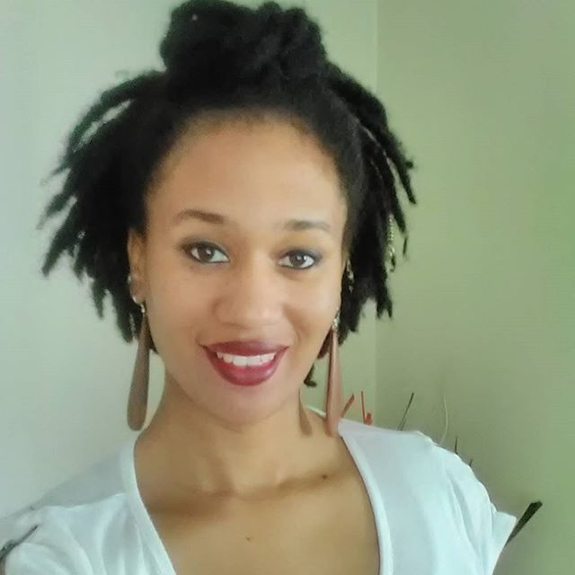 I tried something different with my locs......I pulled some of them up and made a bun. I never been a bun type of person but I loved it. :-) #naturalista #naturalhair #locs #semifreeformlocs #locjourney #blackhair #buns #topknot