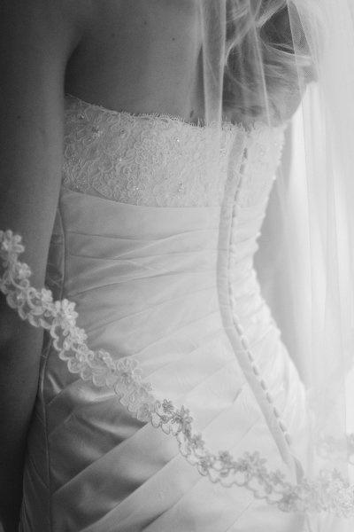 Bride Photo Op www.stylemepretty... #wedding #photo #photography #ideas