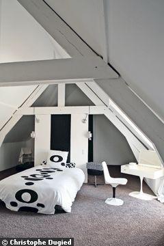 """Combles >> chambre Gaby (utilisation de la charpente pour créer un espace """"secret"""")"""