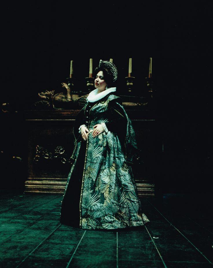 Markella Hatziano as Giovanna Seymour in Donizetti's Anna Bolena
