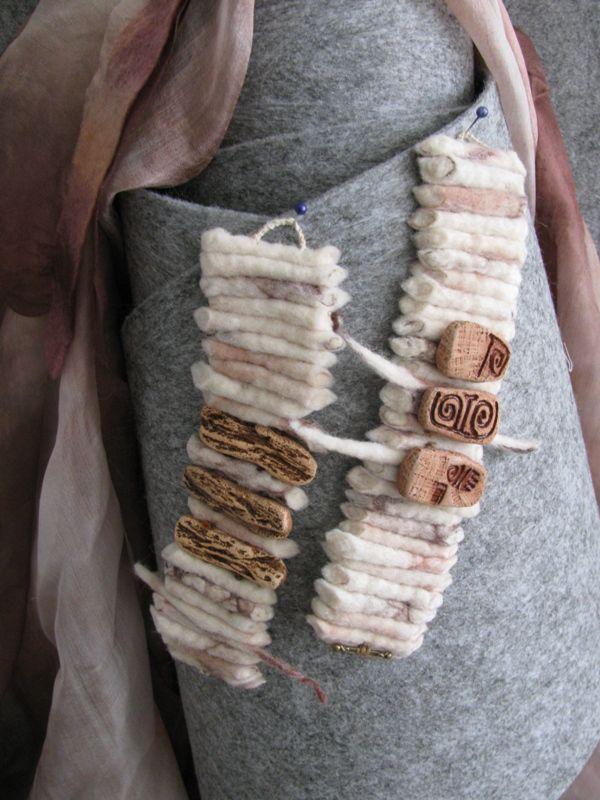 войлочные браслеты с керамикой.