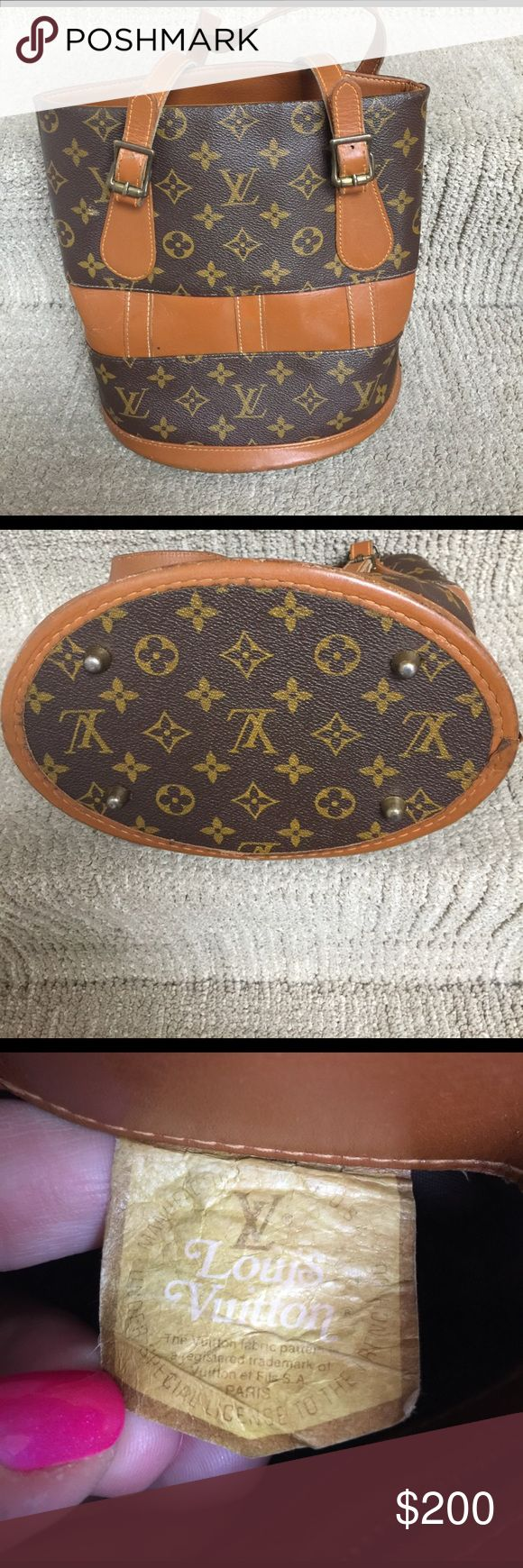 Louis Vuitton bucket bag Used vintage ( the original bucket bag ) in great condition for its age ! Louis Vuitton Bags Shoulder Bags