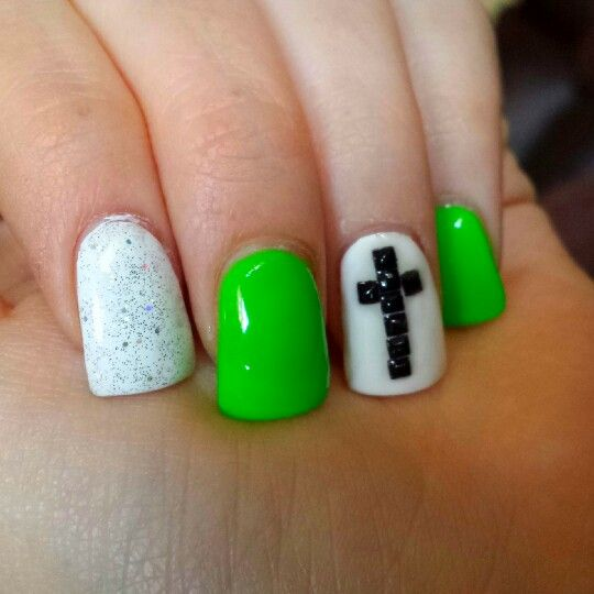 Limes Green And White Nails