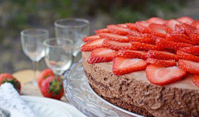 Troll a konyhámban: Kávés csokihabos torta eperrel - paleo