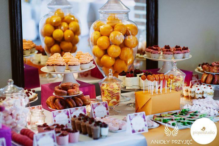14. Fuchsia Orange Wedding, Sweet buffet, Sweet buffet decoration, Sweets, Fruit / Wesele fuksjowo-pomarańczowe, Słodki bufet, Dekoracje słodkiego bufetu, Anioły Przyjęć