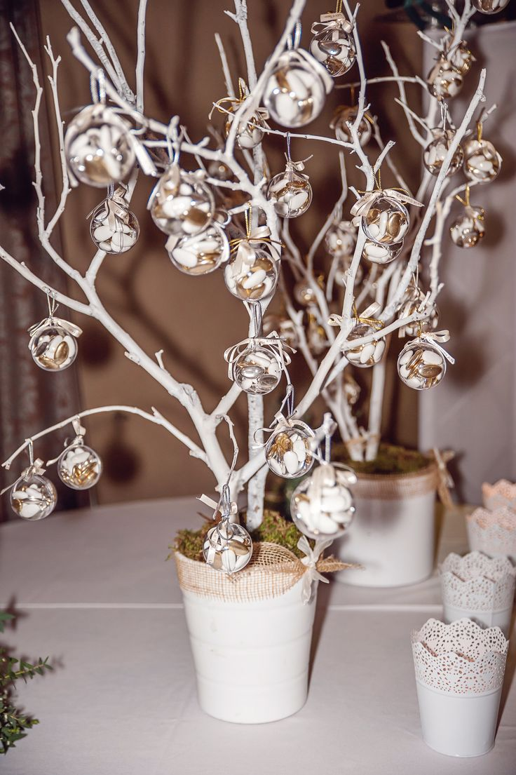 Les 25 meilleures id es de la cat gorie arbre a dragee sur pinterest decoration mariage for Photos de decoration