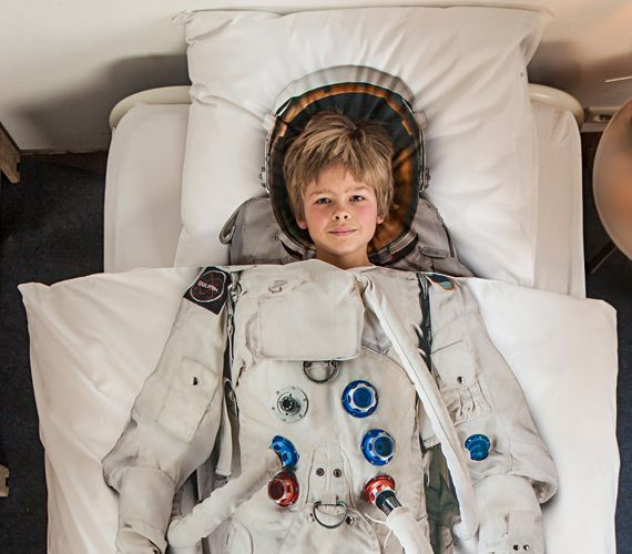 This Astronaut Bedding Is Out of This World #IncredibleThings