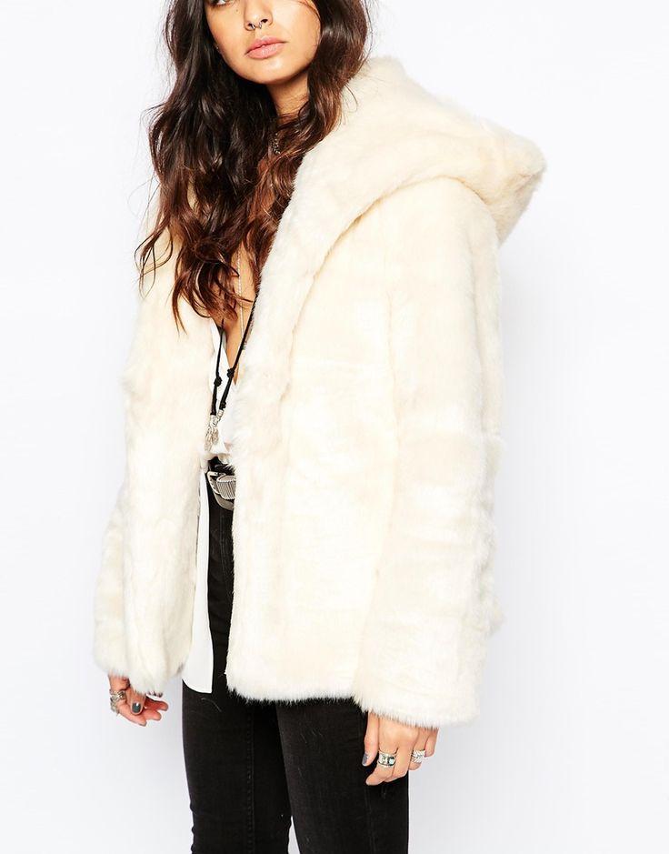 Több mint 1000 ötlet a következővel kapcsolatban: Faux Fur Hooded ...