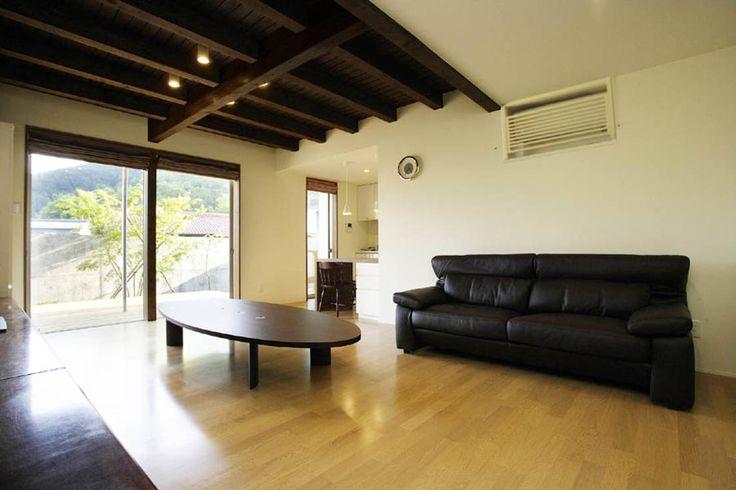 祐成大秀建築設計事務所 の モダンな リビングルーム 岩崎の家